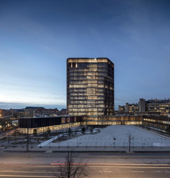 Корпус Maersk Tower Университета Копенгагена.  C.F. Møller Architects. Изображение предоставлено WAF