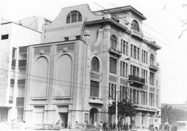 The Sytin house after the relocation in the 1980's. The rockface pattern on the first-floor facades is clearly visible. Archive materials / courtesy of Aleksey  Ginsburg