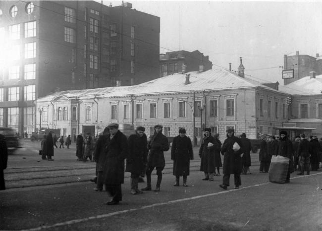 The Pushkin Square. Dolgorukovykh-Bobrinskikh manor house. Archive materials / courtesy of Aleksey  Ginsburg