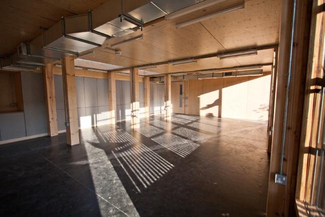 Стивен Кумбс (Валлийская школа архитектуры, Кардиффский университет, Великобритания).  Проект «Ограждающие конструкции из валлийского дерева: Исследование с помощью прототипирования»