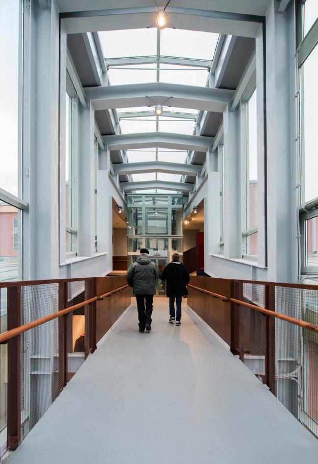 Центральный музей Октябрьской железной дороги. Переход между старым и новым корпусом. © Студия 44