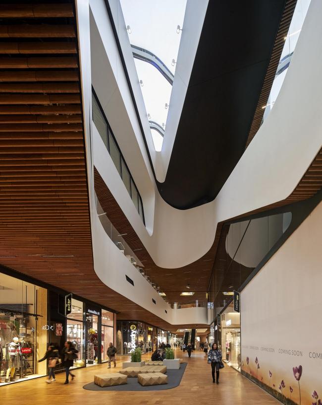 Торговый центр квартала CityLife © Hufton+Crow