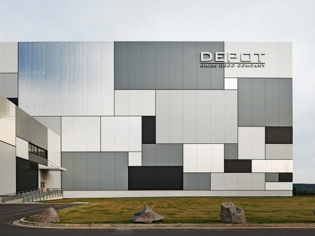 Логистический центр компании Gries Deco в Нидернберге. Фото предоставлено Kalzip