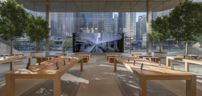 Магазин Apple на Мичиган-авеню © Nigel Young / Foster + Partners