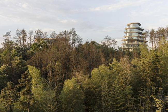 Жилой комплекс «Деревня горы Хуаншань» © Laurian Ghinitoiu