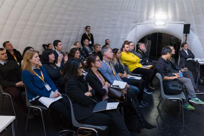 В кажом из 15 павильонов два дня подряд проходили презентации проектов из шорт-листа конкурса WAF 2017. Изображение предоставлено WAF
