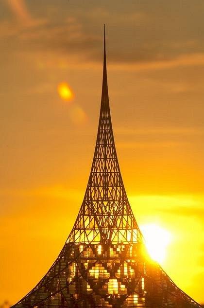 Foster&Partners. «Хрустальный остров» – проект многофункционального центра в Нагатинской пойме, Москва