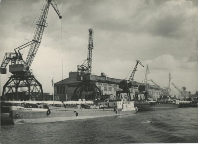 У причалов Центрального грузового района Горьковского порта. Фотография предоставлена Мариной Игнатушко