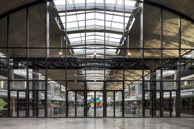 Кампус предприятий-стартапов Station F  © Patrick Tourneboeuf