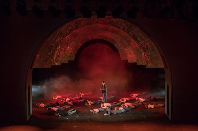 Проект сценографии к спектаклю МХТ «Светлый путь. 19.17». Фотография © Василий Буланов