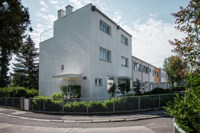 Два блокированных дома №17–18, архитекторы Карл Бибер и Отто Нидермозер. Фото © Денис Есаков