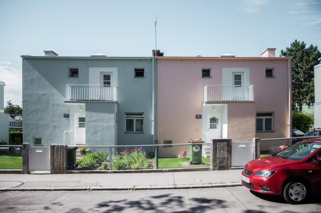 Парные блокированные дома №33–34, архитектор Юлиус Йирасек. Фото © Денис Есаков