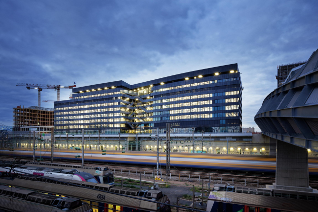 Офисное здание Lot 7 © Takuji Shimmura