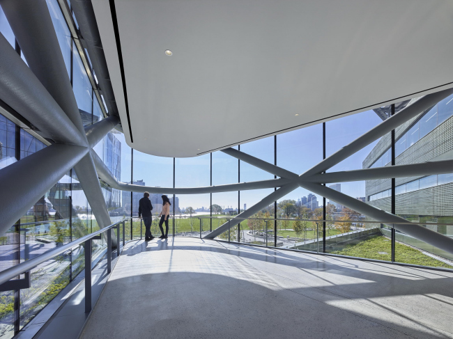 Корпус Блумберг-центр на кампусе Cornell Tech. Фото: Matthew Carbone для Morphosis