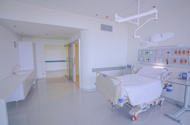 Больница Fundación Santa Fe de Bogotá – расширение © Fredy Fortich / El Equipo Mazzanti