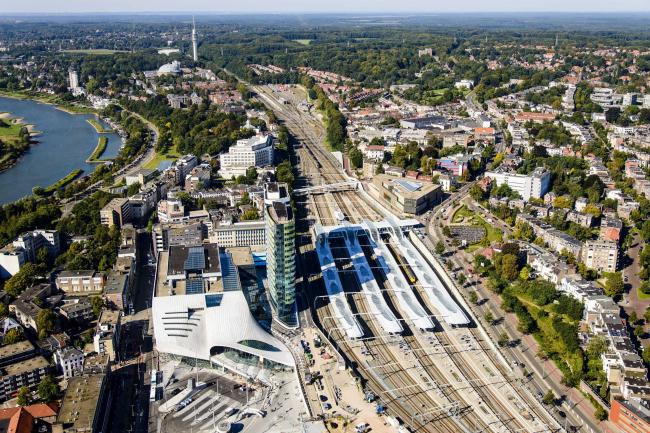Центральный вокзал Арнема. Фото © Siebe Swart. Предоставлено Zumtobel Group Award