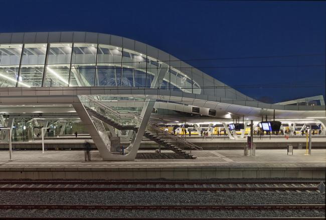 Центральный вокзал Арнема. Фото © Ronald Tilleman. Предоставлено Zumtobel Group Award