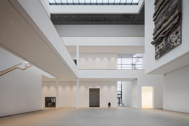 Музей современного искусства Кунстхалле в Мангейме. Фото © Marcus Bredt. Произведения: Ребекка Хорн «o.T. (Преисподняя)», 1993 © VG Bild-Kunst, Bonn 2017; Ансельм Кифер «Сефирот», 2000 © Anselm Kiefer
