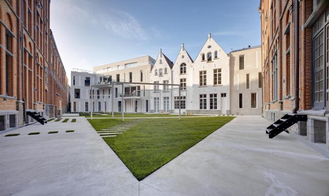 Реконструкция монастыря Лоретт. В центре – три дома Сверт © Bart Gosselin