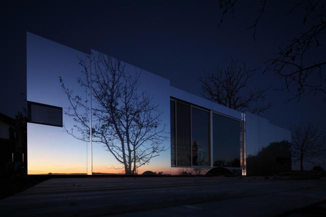 Жилой дом Casa Invisibile. Фотография © Christian Brandstätter
