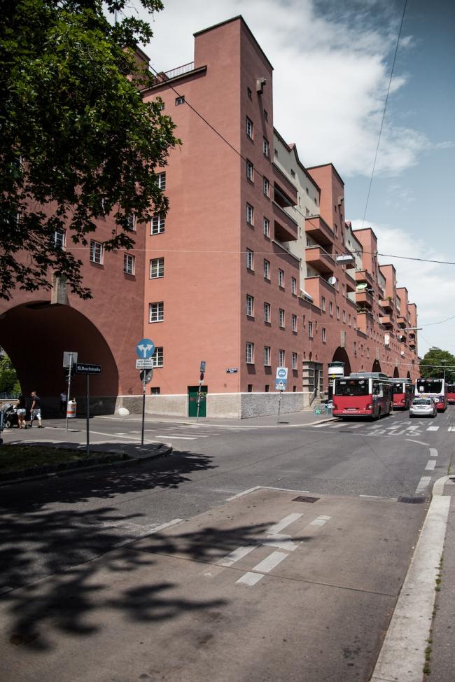 Карл-Маркс-хоф. Фото © Денис Есаков