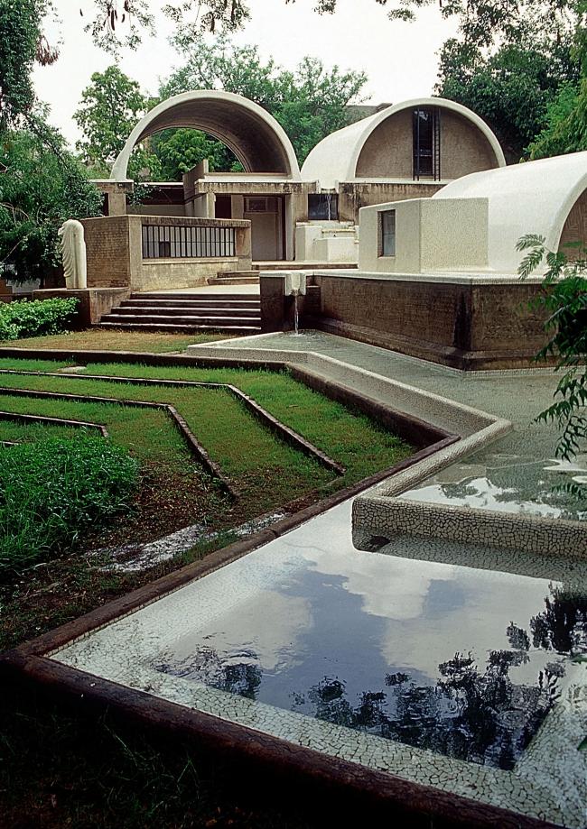 Здание бюро Sangath Architect Studio. Проект Балкришны Доши. Фотография предоставлена VSF