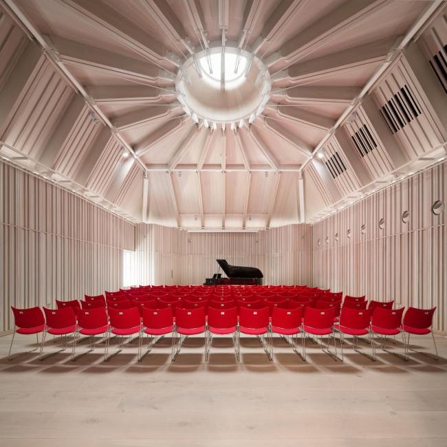 Королевская академия музыки: концертный зал Анджелы Берджесс © Adam Scott