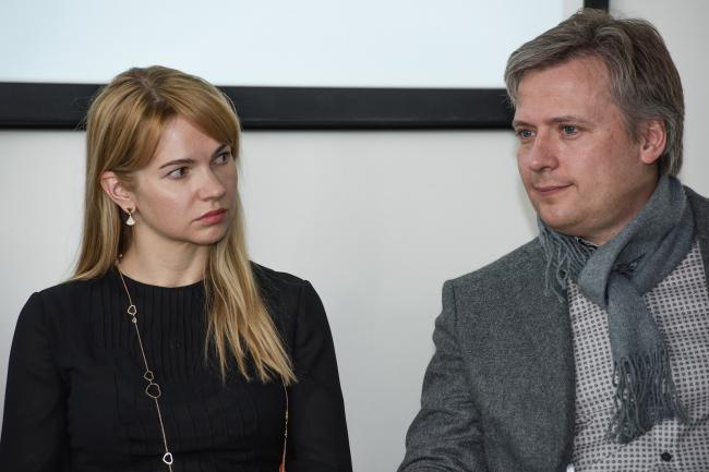 Юлия Зубарик, Илья Машков. Завтрак с главным архитектором Сергеем Кузнецовым. Фотография © МАРШ