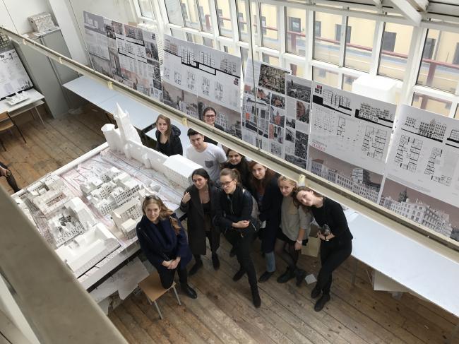 Студенты третьего курса кафедры «Архитектура жилых зданий». МАРХИ, 2017