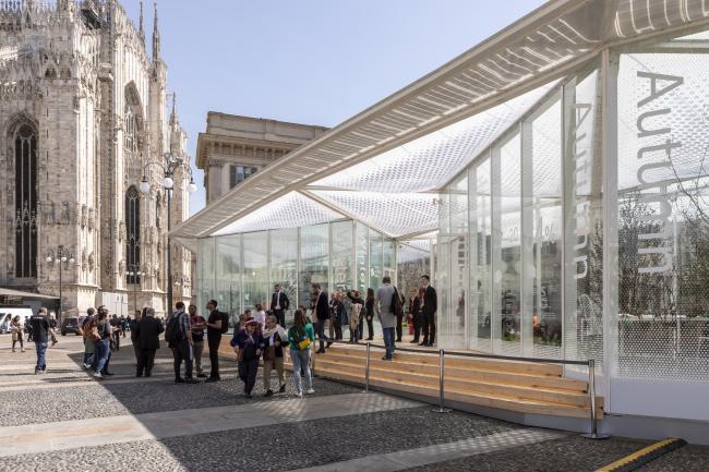 Павильон «Живая природа» на площади Пьяцца-дель-Дуомо в Милане. Изображение © Salone del Mobile