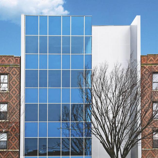 Офисно-жилой комплекс в Нью-Йорке. Система ALT F50. Фотография предоставлена компанией «АЛЮТЕХ»
