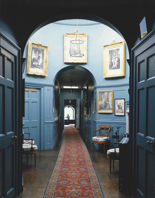 Замок Уолмер на морском берегу в графстве Кент. «Синий коридор». Начало XIX века. Фото © English Heritage, предоставлено Little Greene