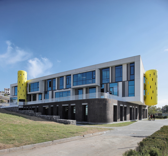 AYB School в Ереване © Storaket Architectural Studio