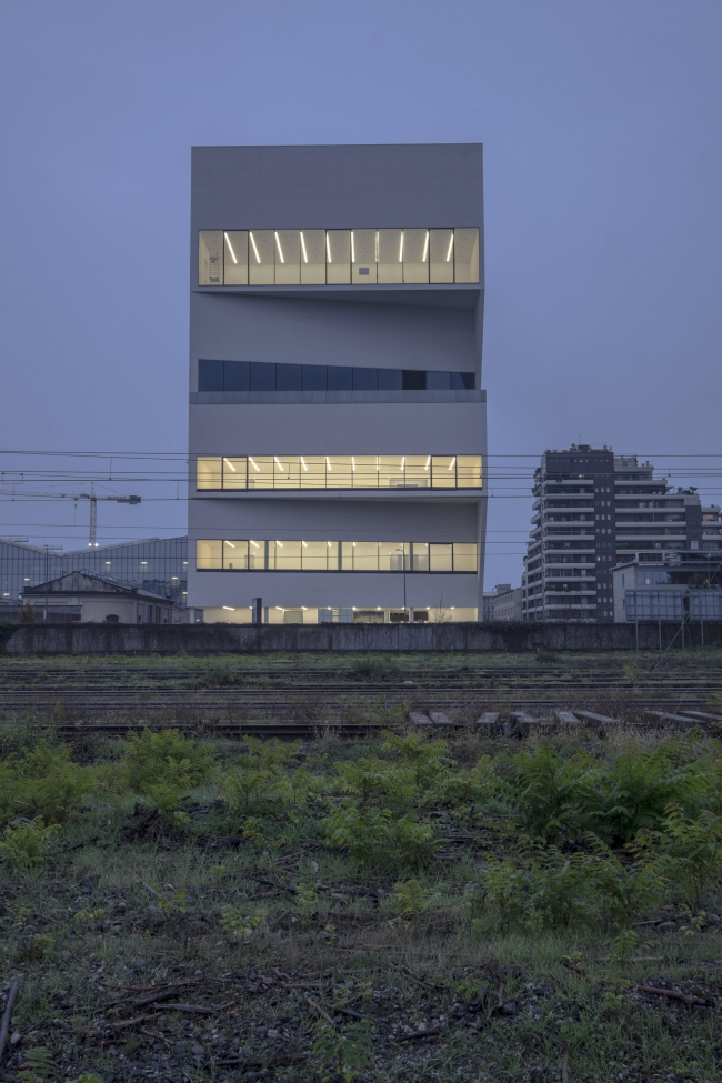 Корпус Torre в комплексе Фонда Prada. Фото: Jacopo Milanesi © OMA
