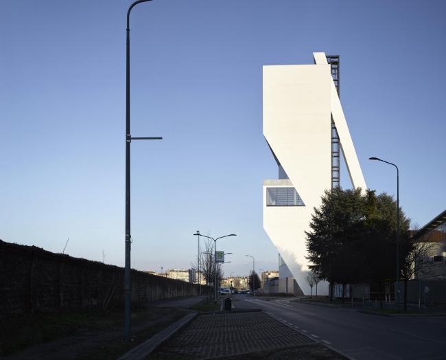 Корпус Torre в комплексе Фонда Prada. Фото: Bas Princen. 2018. Предоставлено Fondazione Prada