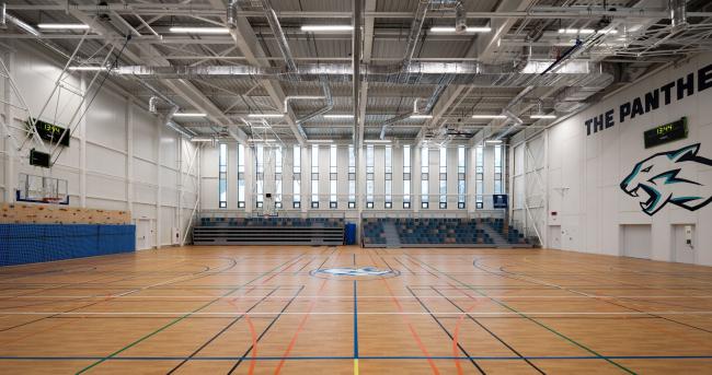 Спортивный зал. Печерская международная школа © Архиматика
