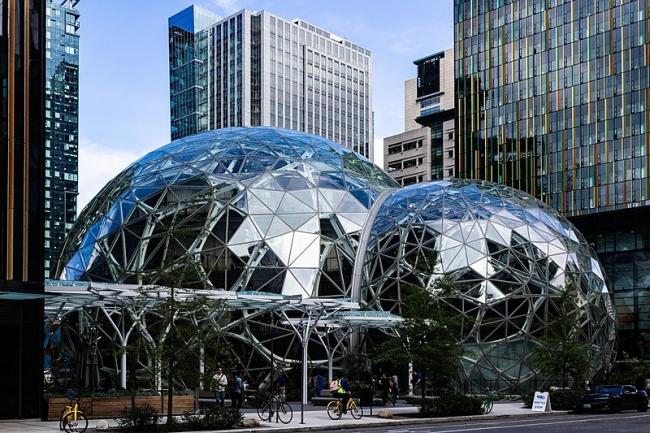 Экоцентр The Spheres в штаб-квартире компании Amazon. Фото: Biodin via Wikimedia Commons. Лицензия Creative Commons Attribution-Share Alike 4.0 International