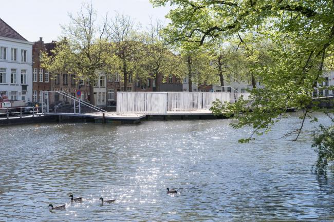 «Плавучий остров» OBBA. Фото © Iwan Baan. Предоставлено Triënnale Brugge 2018