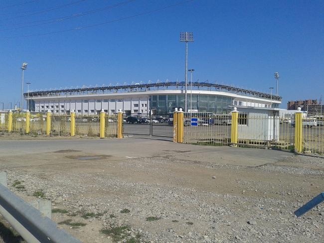 стадион в Каспийске