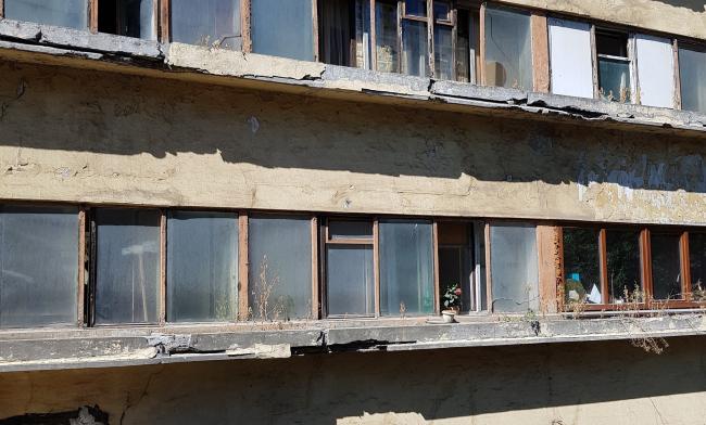 Дом Наркомфина. Цветочница до реставрации. Изображение предоставлено Гинзбург Архитектс