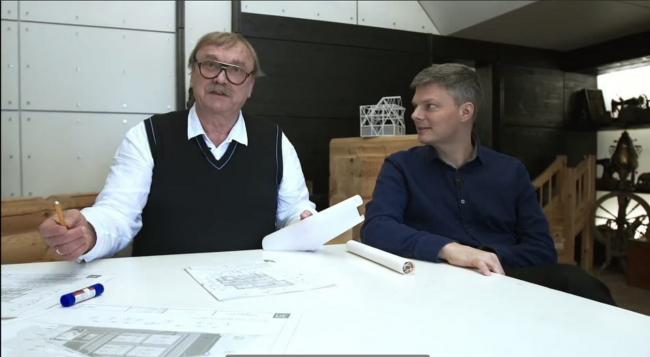 Олег Карлсон (слева) и Александр Дубовенко в мастерской в поселке художников на Соколе © GOOD WOOD