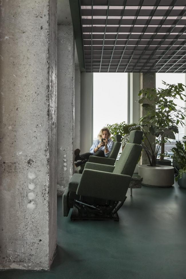Офис Sony Music в башне A'DAM. Фото © Peter Tijhuis
