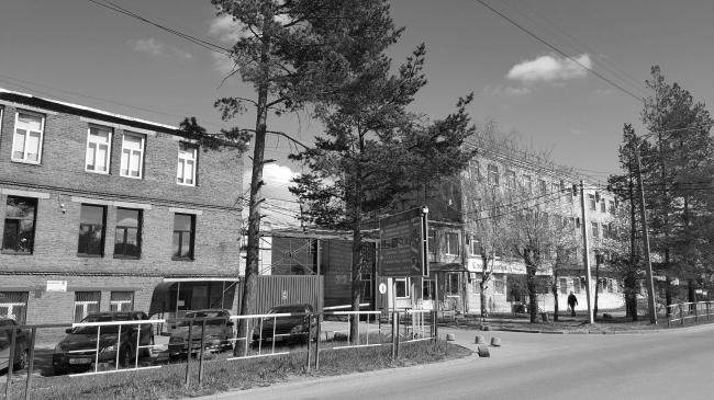 Фасад административного здания корпуса «А» с ул. Медуницинская до реновации  © АртСити