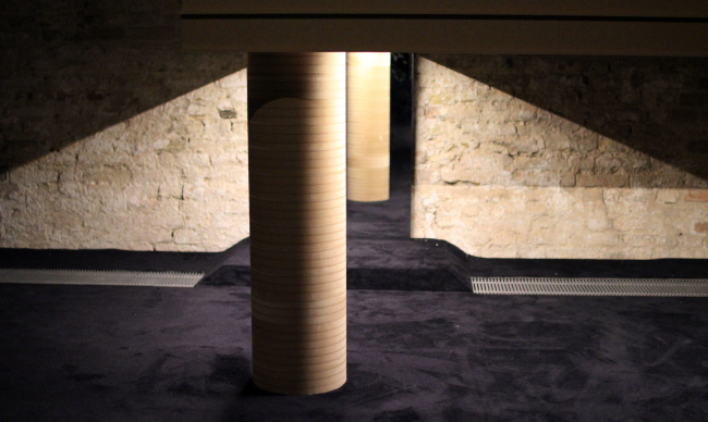 «Нога» – опора, освобождающая пространство для людей. Павильон Люксембурга на биеннале архитектуры в Венеции. Фотография: Ю.Тарабарина, Архи.ру