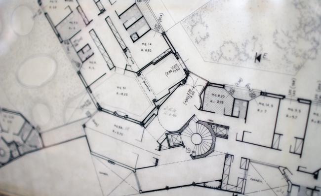 Дом на Корсо Италиа (1957-1961). Экспозиция Чино Дзукки в павильоне биеннале, посвященная архитектору Луиджи Качиа Доминиони (1913-2016). Фотография: Ю.Тарабарина, Архи.ру