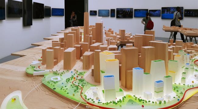 Проект Бьярке Ингельса Humanhattan 2050, павильон биеннале. Фотография: Ю.Тарабарина, Архи.ру