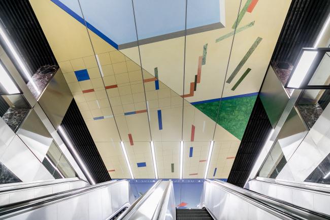 Восточный вестибюль «Супрематизм» © Четвертое измерение