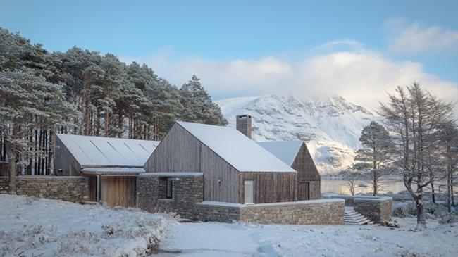 Дом Lochside House, Шотландское высокогорье.  HaysomWardMiller Architects. Фотография © Richard Fraser