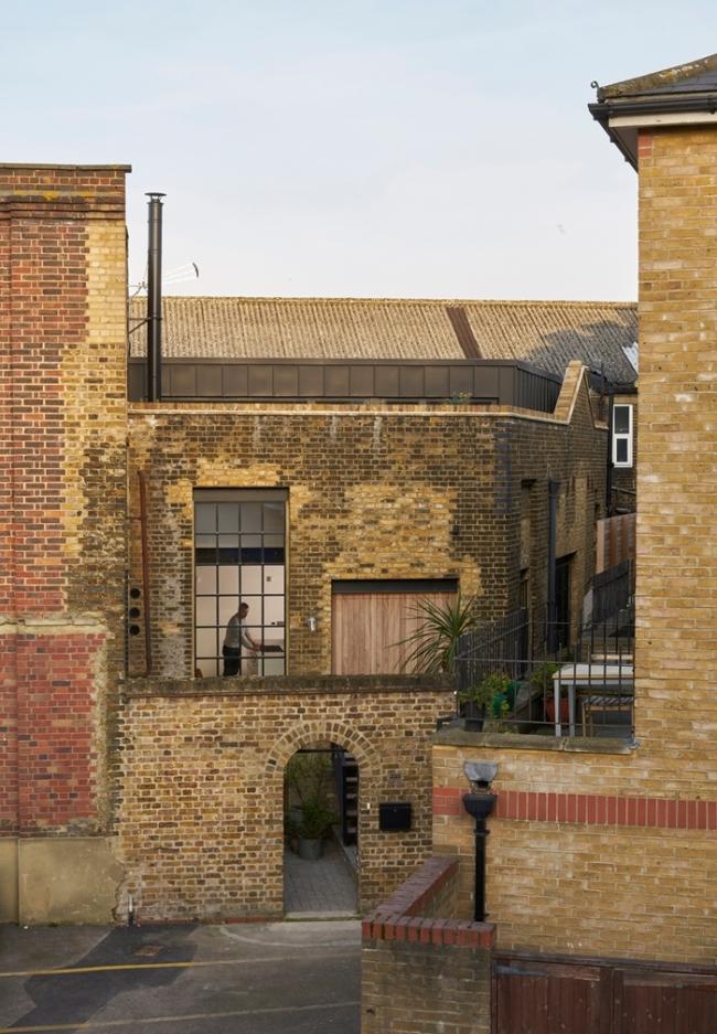Дом Gin Distillery, Лондон.  Open Practice Architecture. Фотография © Leon Chew