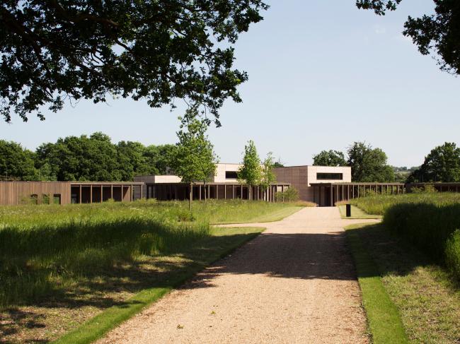 Кладбище в Буши.  Waugh Thistleton Architects. Фотография © Lewis Kahn